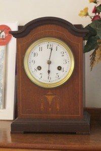 Eldred mantel clock